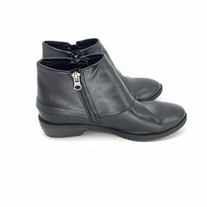 Born Boc Booties Black Leather Ankle Boots Zipper